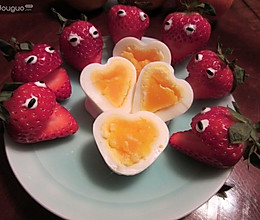 爱在春天——草莓心蛋的做法