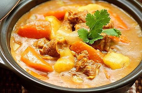 冬日暖身咖喱牛腩锅的做法