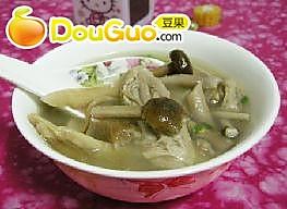 鸭件茶树菇汤的做法
