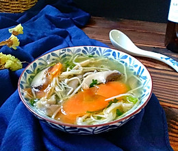 鲜味胡萝卜菌菇汤的做法