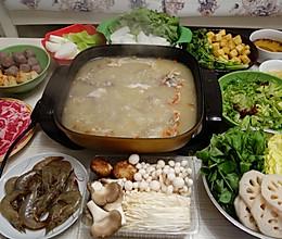 暖洋洋的羊肉火锅(附牛油果沙拉做法)的做法