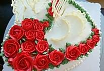 玫瑰白巧皇冠裱花蛋糕的做法