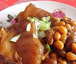 黄豆花生焖猪蹄的做法