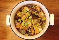 香菇烧冻豆腐的做法