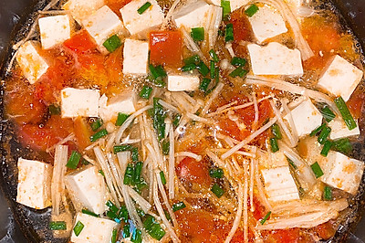 减脂餐   番茄豆腐菌菇汤