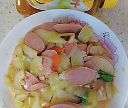 #太太乐鲜鸡汁玩转健康快手菜#鸡汁翡翠青瓜炒火腿肠的做法