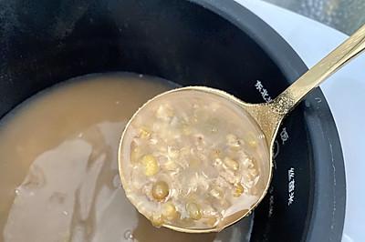 免浸泡小米电饭煲绿豆汤