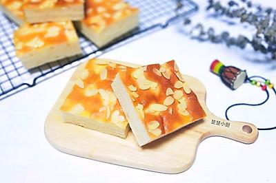 糖粉杏仁切块面包