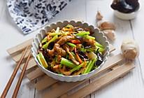 多彩芹菜炒肉丝的做法