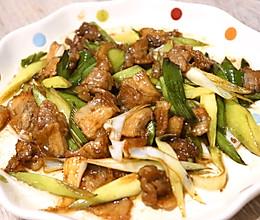 青蒜炒五花肉的做法