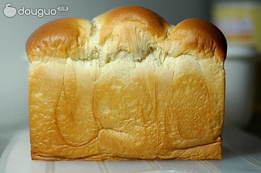 鲜奶土司的做法