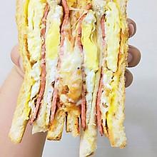 能量爆炸的鸡蛋芝士火腿三明治