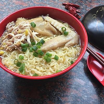 南姜手撕鸡面汤