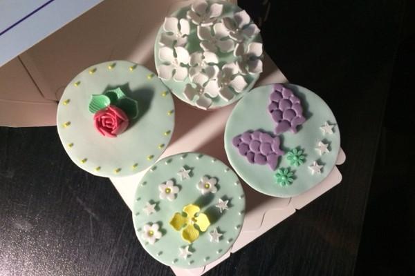 翻糖纸杯蛋糕的做法