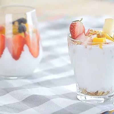 燕麦酸奶水果杯