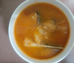番茄鱼骨汤  的做法
