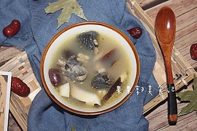 薏米红枣椰肉乌鸡汤
