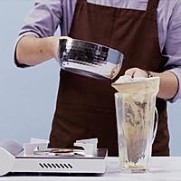 港式奶茶 美食台的做法图解2