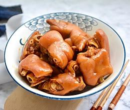 软糯可口的卤猪蹄的做法
