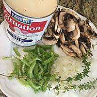 鸡丝奶油蘑菇汤 -《好先生》孙红雷打动主厨的做法图解2