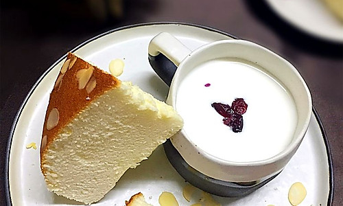 无油酸奶杏仁蛋糕#豆果5周年#的做法
