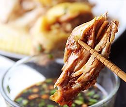 白斩鸡——附灵魂蘸料#人人能开小吃店#的做法