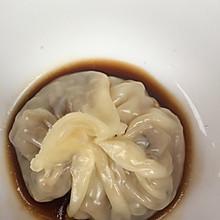 虾肉香菇灌汤包