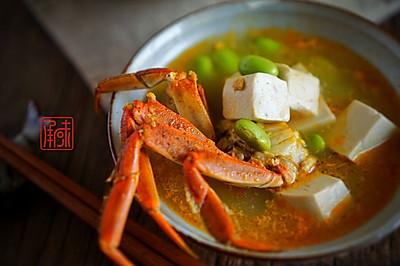 青豆蟹粉豆腐汤,给大闸蟹多一种可能的惊喜。