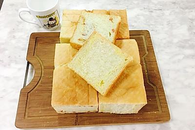 日式黄金椰蓉&肉松火腿巨无霸吐司