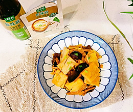 #仙女们的私藏鲜法大PK#仙汁木耳金针鱼糕的做法