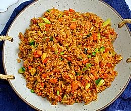 #橄榄中国味 感恩添美味#粒粒分明酱汁浓郁杂蔬火腿酱油炒饭的做法