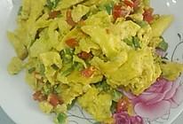 青红椒炒鸡蛋的做法