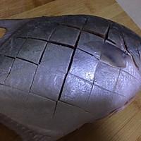 #一人一道拿手菜#烤金鲳鱼的做法图解2