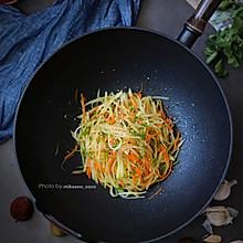 #全电厨王料理挑战赛热力开战!#百吃不厌的凉拌三丝