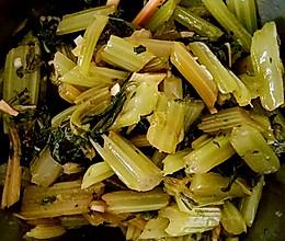 凉拌芹菜―加芹菜叶的做法