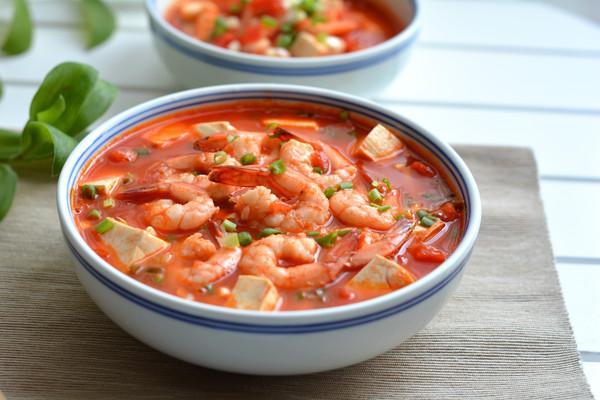 西红柿豆腐烩虾仁的做法