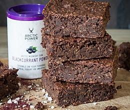 纯素巧克力和黑加仑蛋糕的做法
