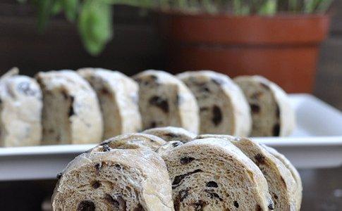 全麦葡萄干面包的做法