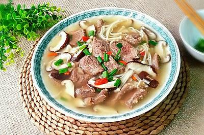 双菇牛腱(牛肉)汤(养生菜)