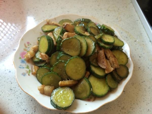 黄瓜炒肉丝的做法