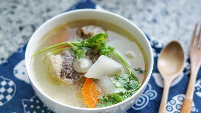 秋燥,喝一碗萝卜牛尾汤润一润!
