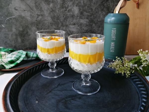 自制酸奶芒果杯,无糖无添加,健康又美味的做法