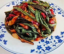 #美食视频挑战赛#干煸茄子豆角的做法