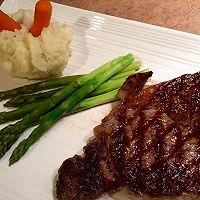 关于牛排怎么煎最好吃?详解的做法图解11