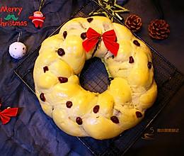 #令人羡慕的圣诞大餐#黑芝麻馅花环面包的做法