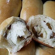淡奶油葡萄干面包卷