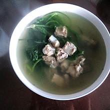 菠菜排骨炖汤