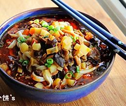 【红油酸汤臊子面】兰州家庭版手工拉面的做法