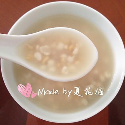 夏季美颜:薏米燕麦汤