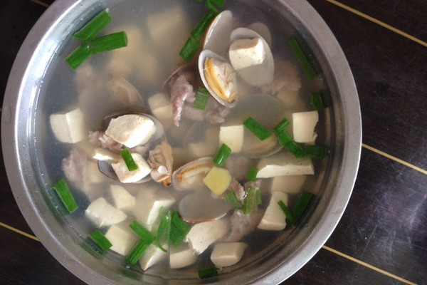 花蛤豆腐汤的做法